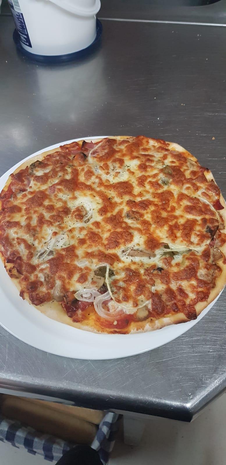 Pizza de L'Ablugo Pizzeria